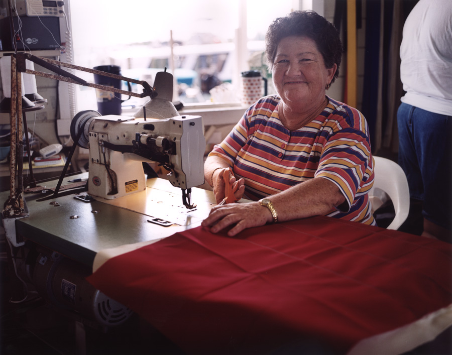 WOMAN_SEWING